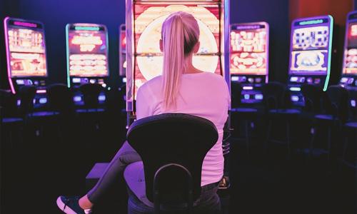 3 Hard Rock Social Casinon pelihistoriaan liittyvää tapahtumaa Vedonlyöntipelien luominen - 3 Hard Rock Social Casinon pelihistoriaan liittyvää tapahtumaa